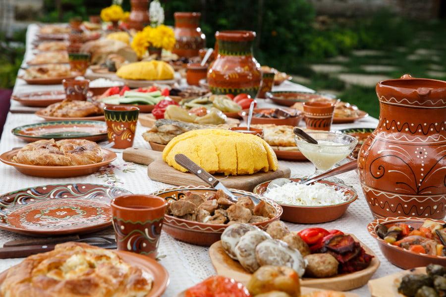 Rolul festivalurilor tradiţionale în promovarea României